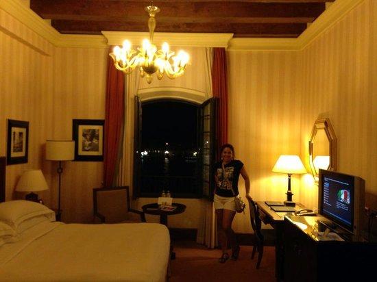Hilton Molino Stucky Venice Hotel: room decor