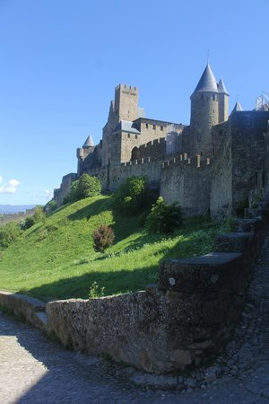 Best Western Hotel Le Donjon: Carcassonne's rear gate to town
