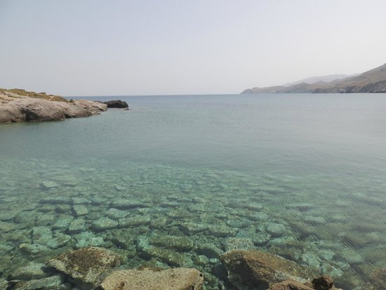 Naxos Town, Greece: Spot 1: Off the pier, crystal clear water