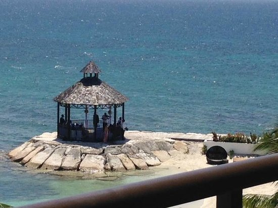 Secrets Wild Orchid Montego Bay: Many weddings took place in there - and sunset dinners. So pretty!