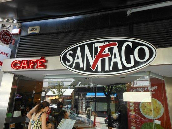 Cafe Santiago : Buitengevel van Café Santiago