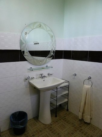The Bohok Langkawi: Bathroom is big and combines shower, toilet and washroom