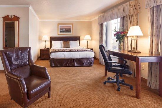 Ramada Moses Lake: King Suite