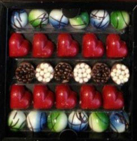Karmello Chocolatier : Custom selection of hand crafted chocolates!