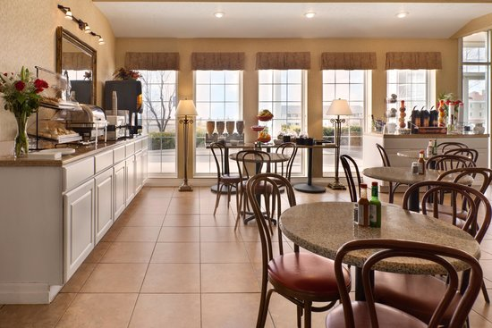 Ramada Moses Lake : Breakfast Room