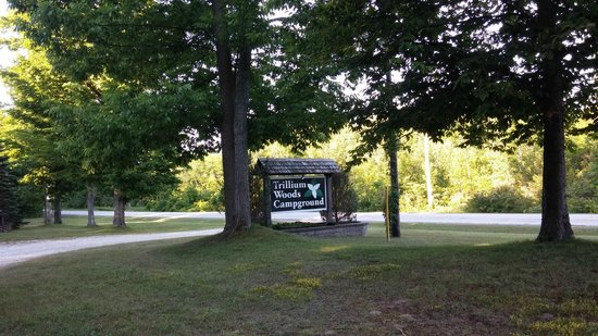 Trillium Woods Campground: Entrance