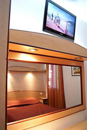 Hotel Restaurant Acotel Confort : Chambre double