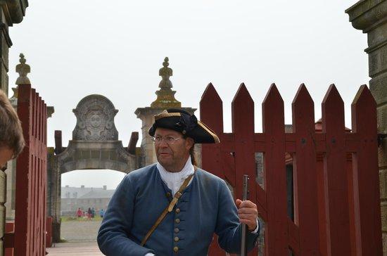 Le site historique national de la Forteresse de Louisbourg : guarded entrance