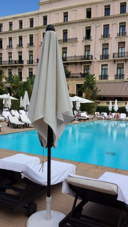 Hotel Royal-Riviera: by the pool
