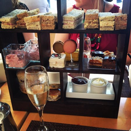 Hilton Cardiff : Afternoon Tea 2