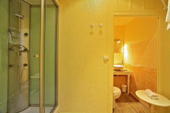 Hotel La Fayette : Salle de Bain