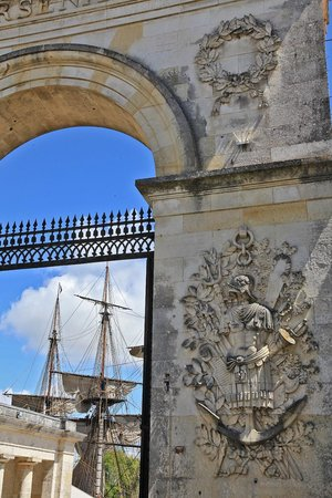 Hotel La Fayette : A 100 m de l'Arsenal de Louis XIV