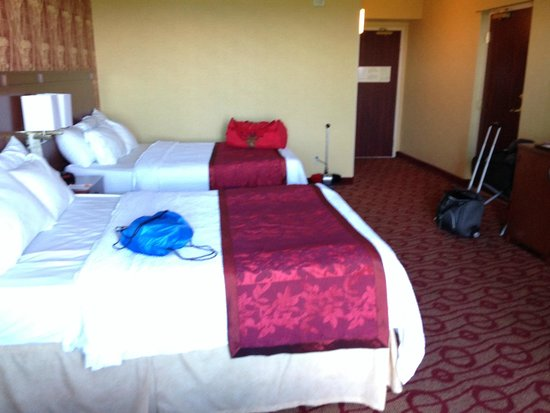 Courtyard by Marriott Niagara Falls : New Clean Rooms