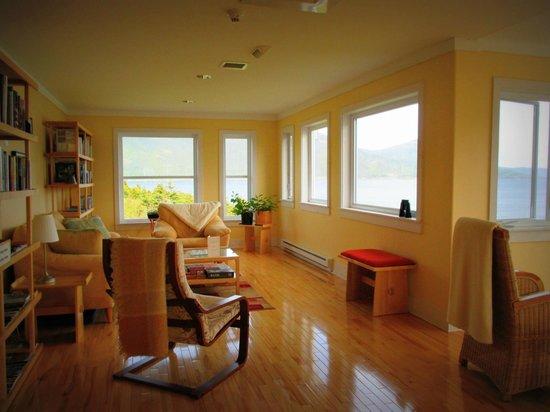 Neddies Harbour Inn: The Sunroom