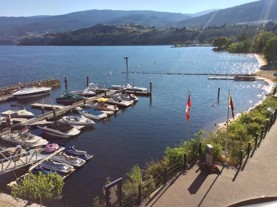 "Penticton Lakeside Resort & Conference Centre: Marina with ""toys for rent"""