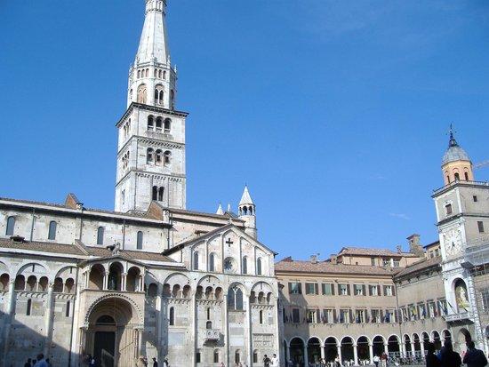 Duomo di Modena : Il Duomo e la Ghirlandina