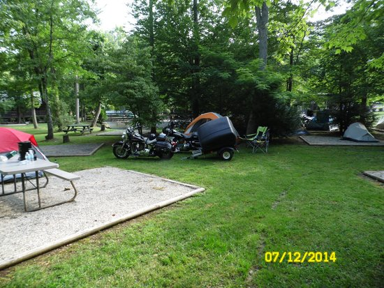 Iron Horse Motorcycle Lodge: Camping at the lodge