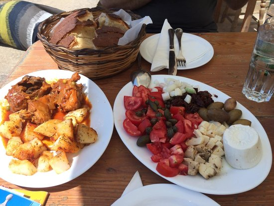 Ta' Rikardu: Rabbit with potato & Victorian cheese platter
