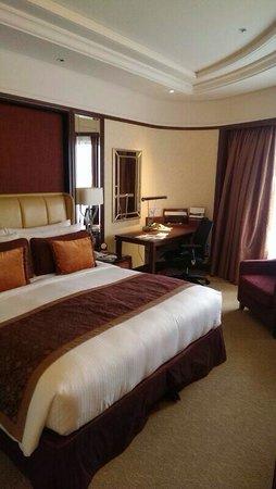 Shangri-La Hotel Kuala Lumpur: Delux room on the 6th floor.