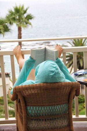 Montage Laguna Beach: Lanai is perfect reading location