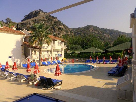 Karbel Beach Hotel: Very nice!!