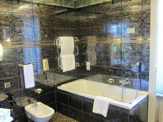 Lausanne Palace & Spa : Bathroom