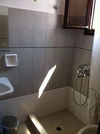 Swallow Studios : bathroom