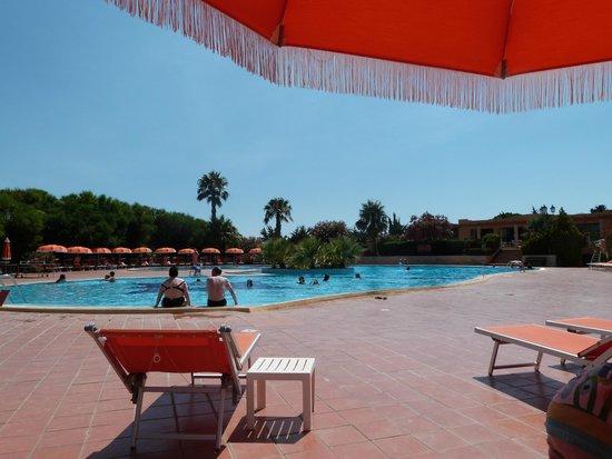 Hotel Conte di Cabrera: PISCINE