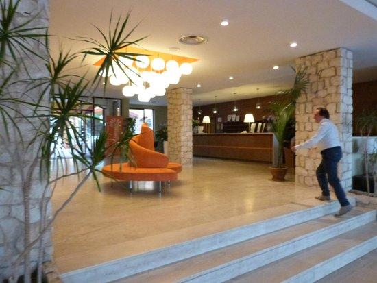 Hotel Conte di Cabrera: LE HALL DE L'HTOTEL