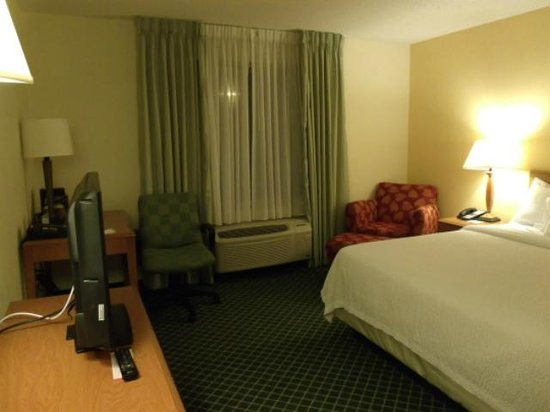 Fairfield Inn & Suites State College : King bed room