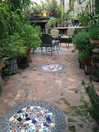 Casa de Las Flores: Garden