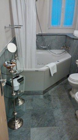 Hotel Bernina 1865 : salle de bain