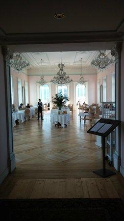 Hotel Bernina 1865 : entrée salle petit dejeuner