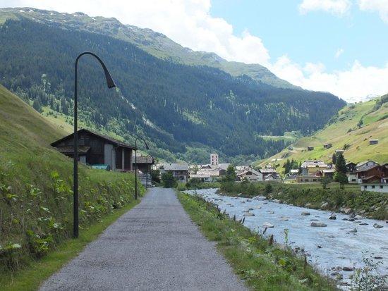 Hotel Rovanada : Blick zum Dorf Vals vom Hotel aus