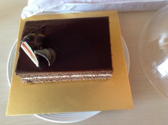 Le Meridien New Delhi: yummy cake