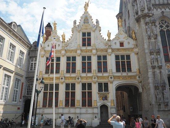 Burg Square: Площадь Бург