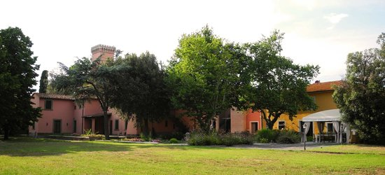 Crespina, Italien: Il cuore dell'antico borgo di Torre a Cenaia.