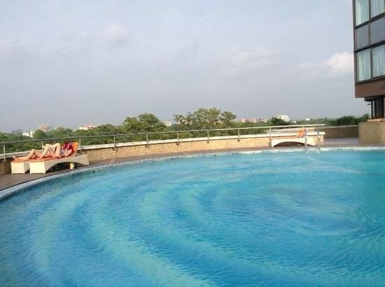 Le Meridien New Delhi: pool
