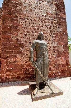 Castelo de Silves : ridder foran indgangen