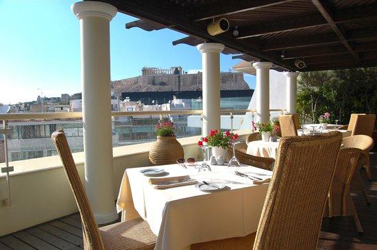 Hera Hotel : Rooftop restaurant bar