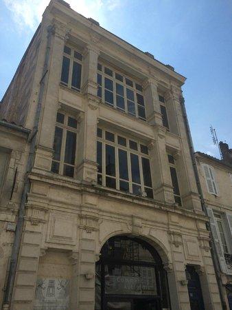 Musee des Commerces d'Autrefois : The front of the building.