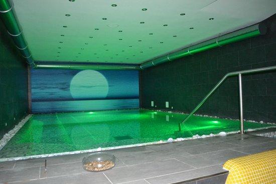 Grifo Hotel Charme & SPA: Piscina con Idromassaggio