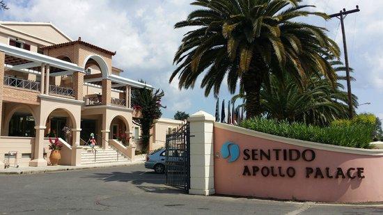 SENTIDO Apollo Palace : Entrée de l'hôtel