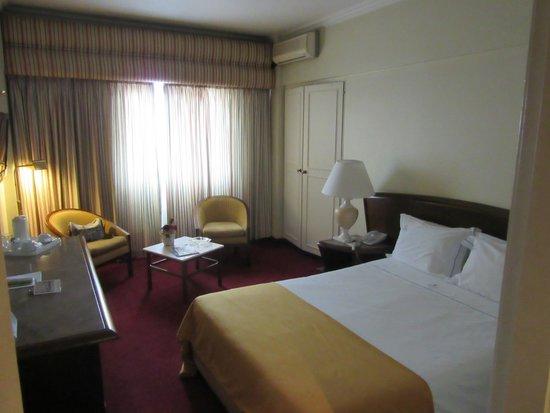 VIP Executive Diplomático Hotel : camera all'ottavo piano: luminosa e silenziosa