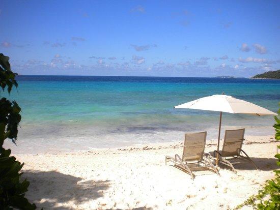 Raffles Seychelles: Vue de la plage