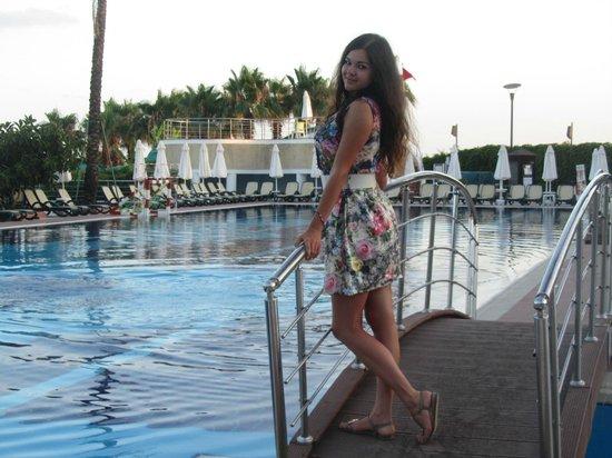 Limak Atlantis Deluxe Hotel & Resort : Бассейн