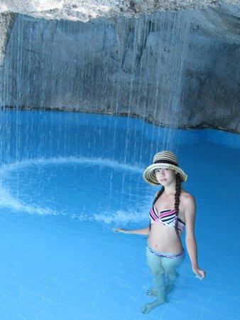 Limak Atlantis Deluxe Hotel & Resort : Оригинальный бассейн
