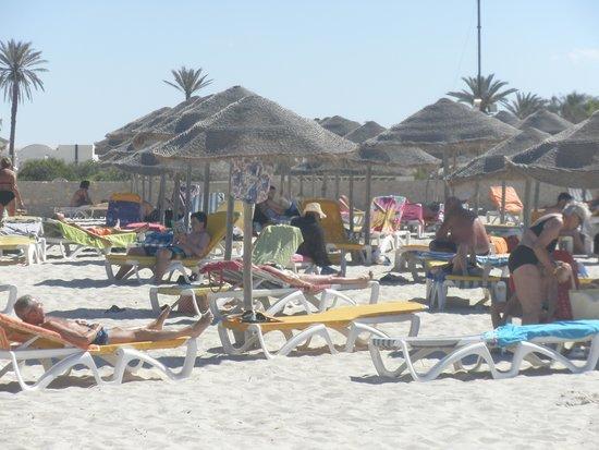 Djerba Sun Club: Plaża hotelowa