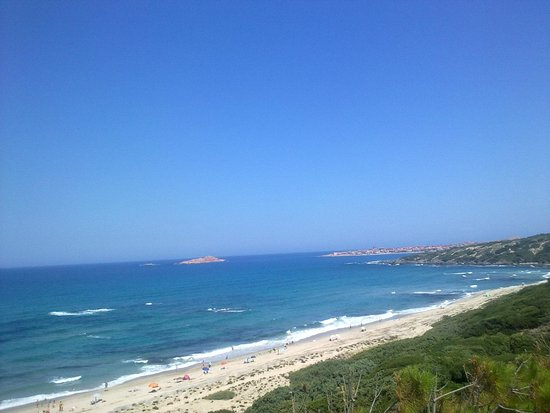 Residence Isola Rossa : spiaggia Li Feruli, a meno di 2 km dal residence