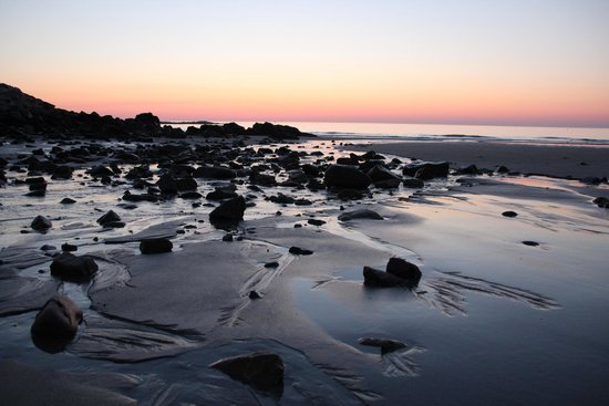 Atlantic House Inn: Sunrise on Short Sands Beach.